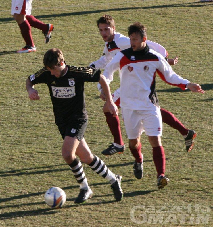 Calcio: il St-Chri VdA schianta il Derthona e vola
