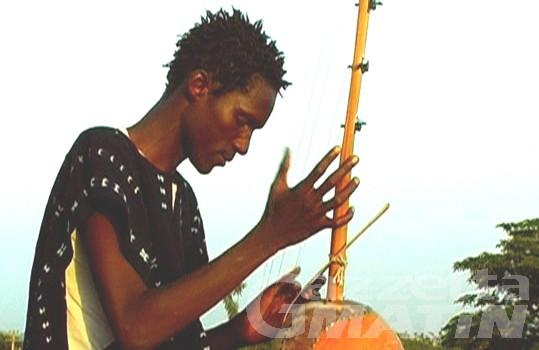 Issogne: l'associazione Deizar porta in scena la multiculturalità
