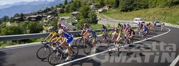 Ciclismo: uno shooting fotografico al prologo del Giro