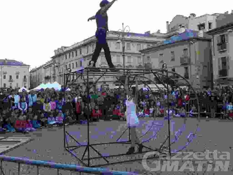 Exploit di pubblico per il festival degli artisti di strada