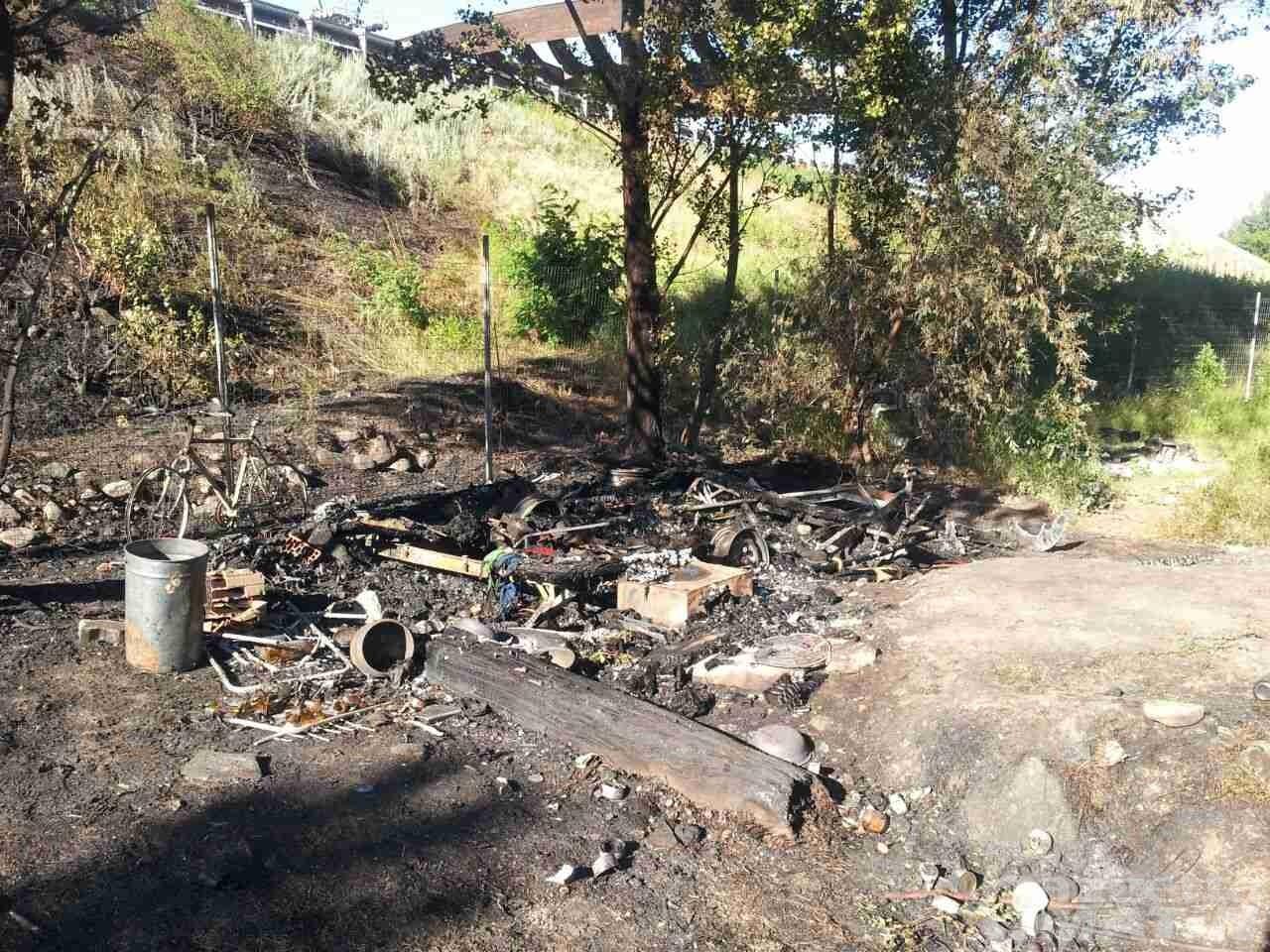 Rogo: distrutta una roulotte a Pont Suaz