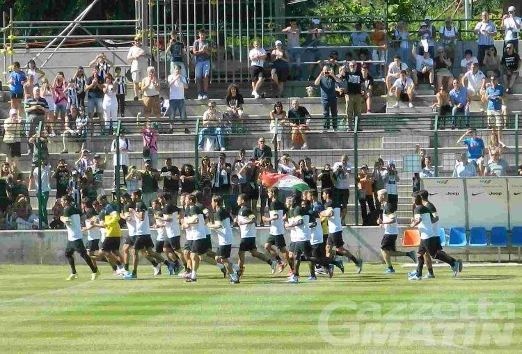 Calcio: prima sgambata della Juventus a Châtillon