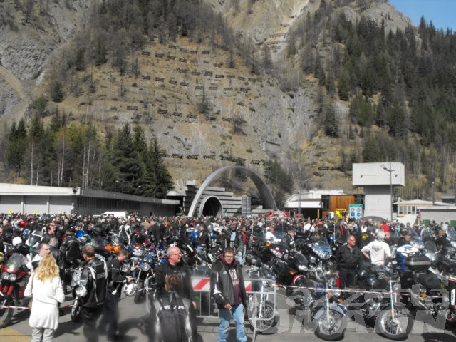Seimila motociclette al Bianco per onorare Spadino