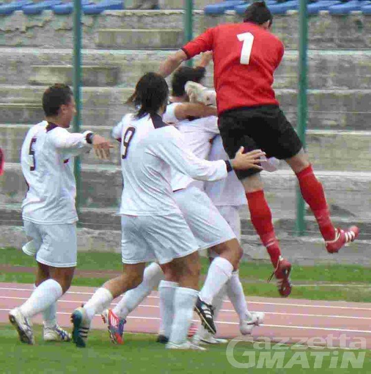 Calcio: l'Aygreville tiene testa al Bellinzago