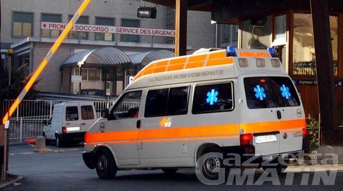 Auto contro moto: valdostano finisce all'ospedale