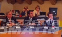 Il sindaco di Aosta: «ho espresso disappunto e inopportunità per la condotta dell'assessore Sorbara»; l'assessore non interviene