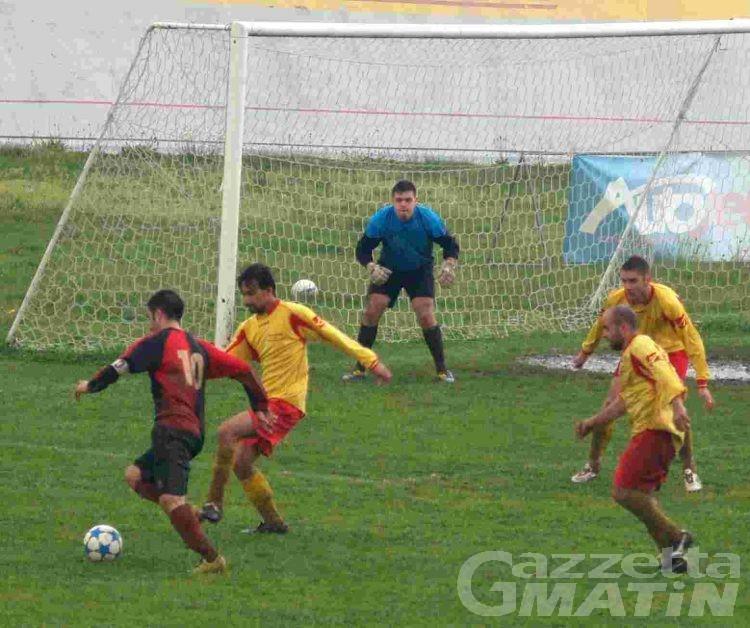 Calcio: il Quart prova l'allungo decisivo