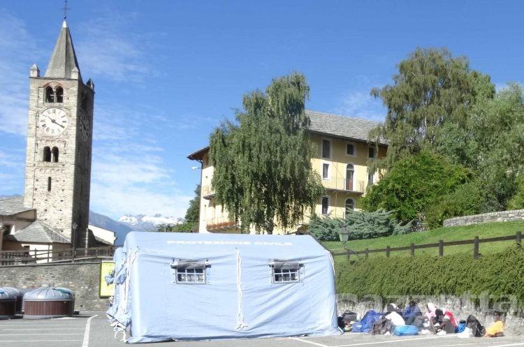 Migranti: il nuovo bando per la Valle d'Aosta prevede 300 posti  e 18 euro