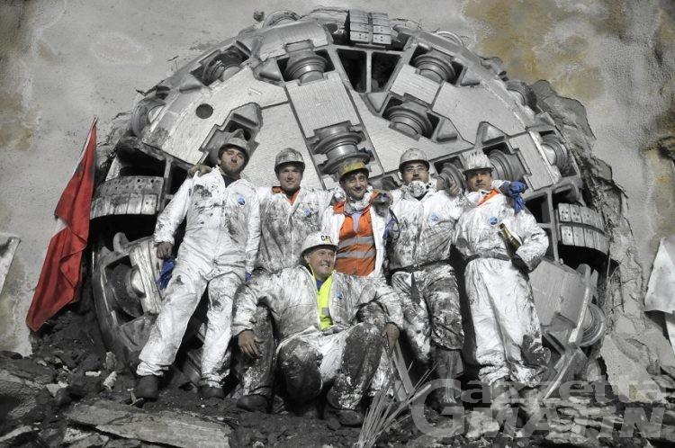 Finito lo scavo della canna di servizio del traforo del Gran San Bernardo