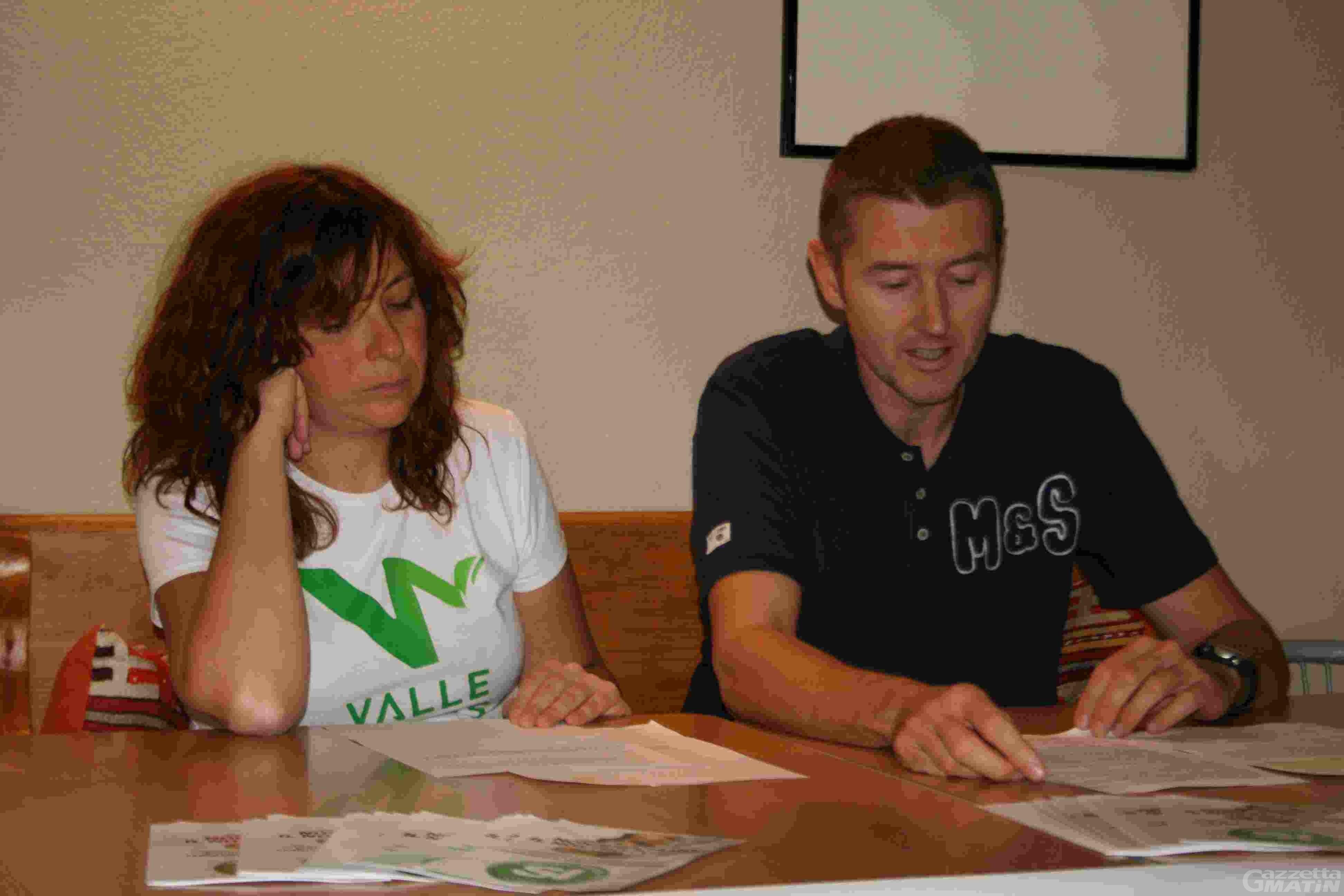 «Valdostani andate a votare; le ecoballe le racconta l'avvocato Navarra»
