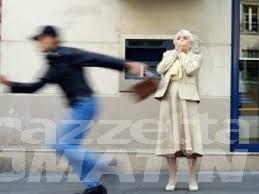 Doppio scippo in città: vittime, due anziane