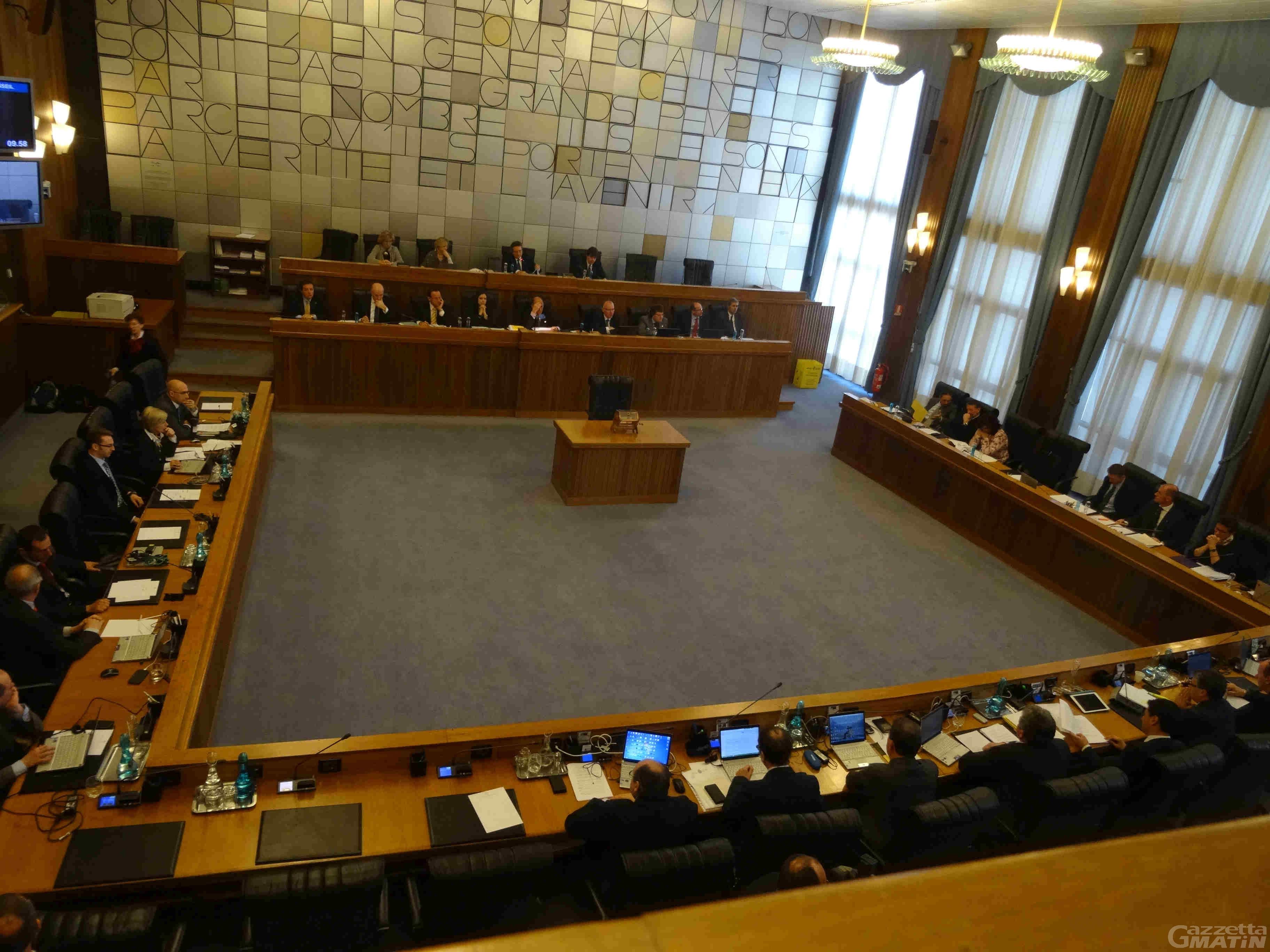 Consiglio Valle: 8 consiglieri in quarantena, avvio lavori in modalità mista