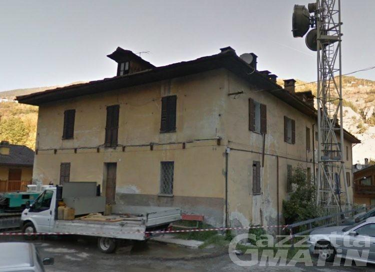 Villeneuve: ex Palazzo Cogne, prendere o lasciare