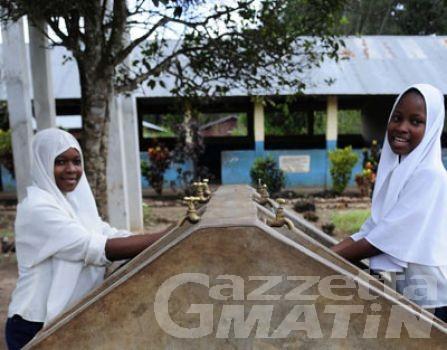 Polizia: il calendario 2013 sosterrà un progetto dell'Unicef in Tanzania