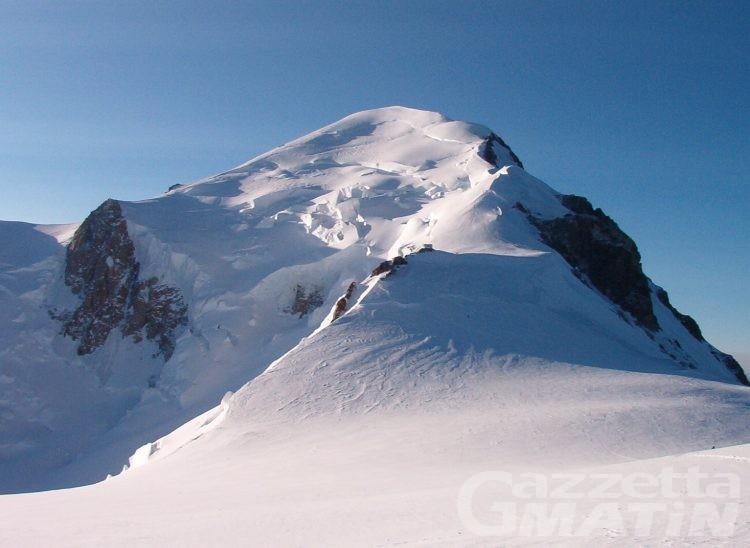 Due giovani alpinisti morti assiderati sul Monte Bianco
