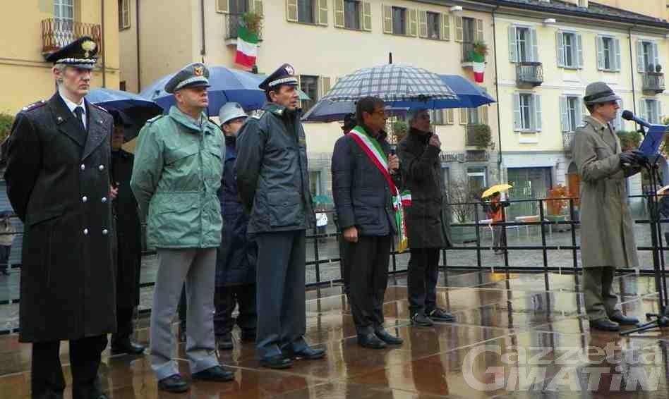 Forze Armate: la pioggia tiene lontano il pubblico