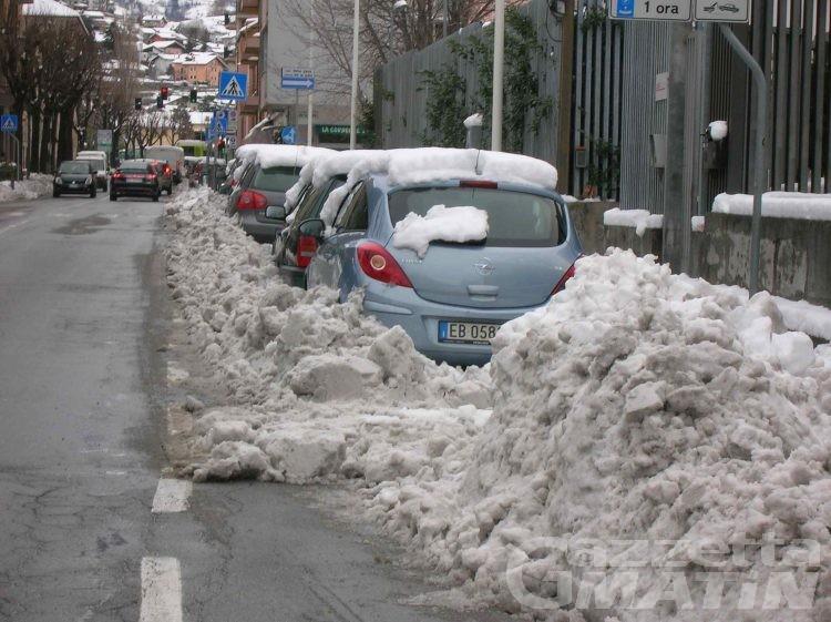 Neve su tutta la regione, rimane marcato il rischio valanghe