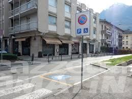 Due ragazze seguite e molestate: è ancora paura ad Aosta