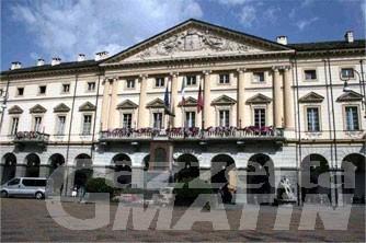 Aosta: aggredisce quattro agenti di polizia locale, arrestato trentenne senza fissa dimora