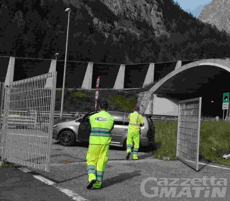 Incidente stradale a Courmayeur, illesa famiglia svizzera