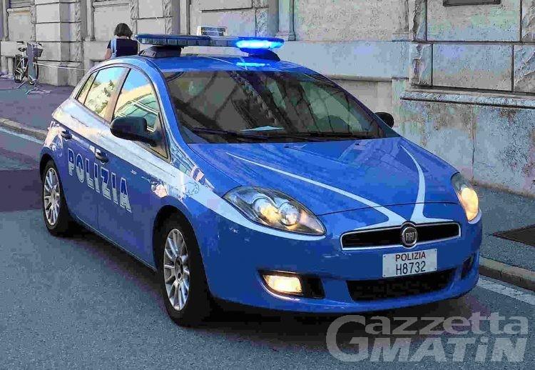 Polizia: arrestate due pendolari del furto