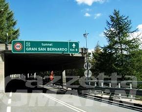 Tunnel Gran San Bernardo rischia chiusura fino all'8 ottobre