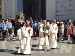 Aosta: centinaia di fedeli alla processione per il patrono San Grato