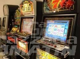 Gioco d'azzardo, riduzione delle slot e regole di distribuzione