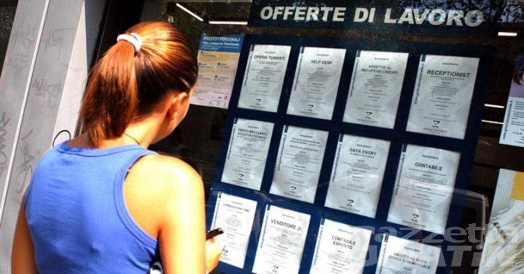 Lavoro: quasi un giovane su 3 è disoccupato