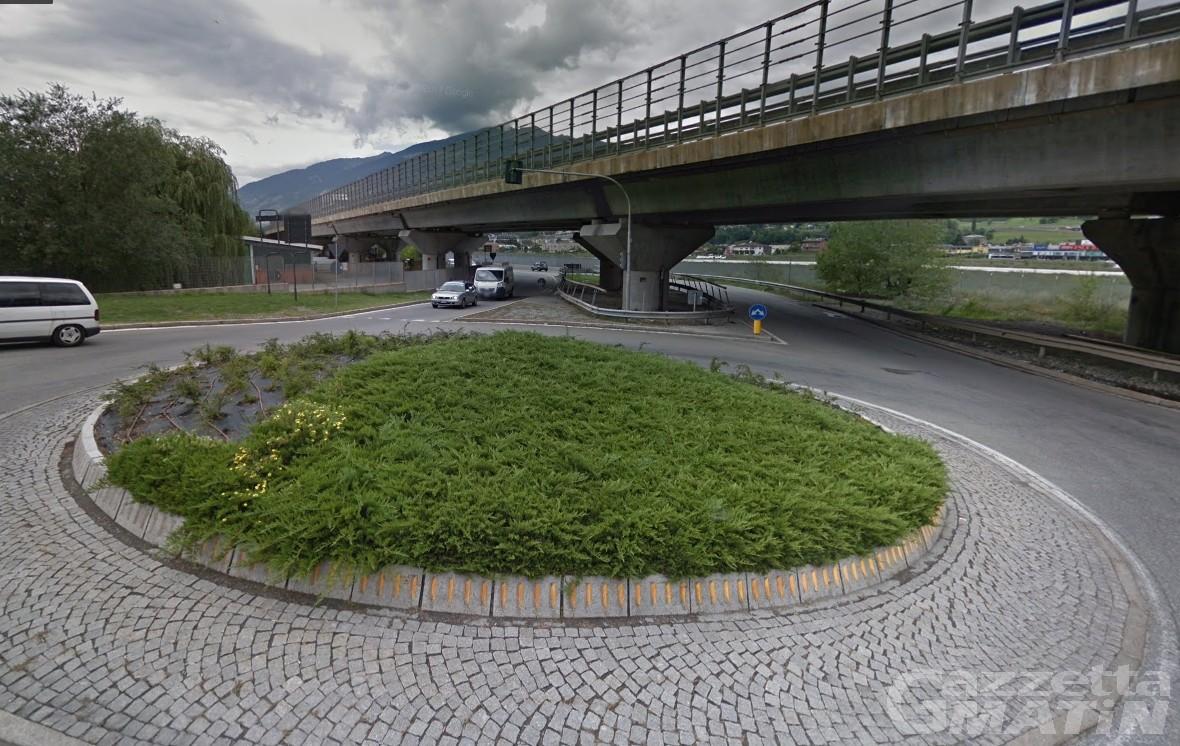 Incidente: schianto a Pollein, coinvolta 27enne di Sarre