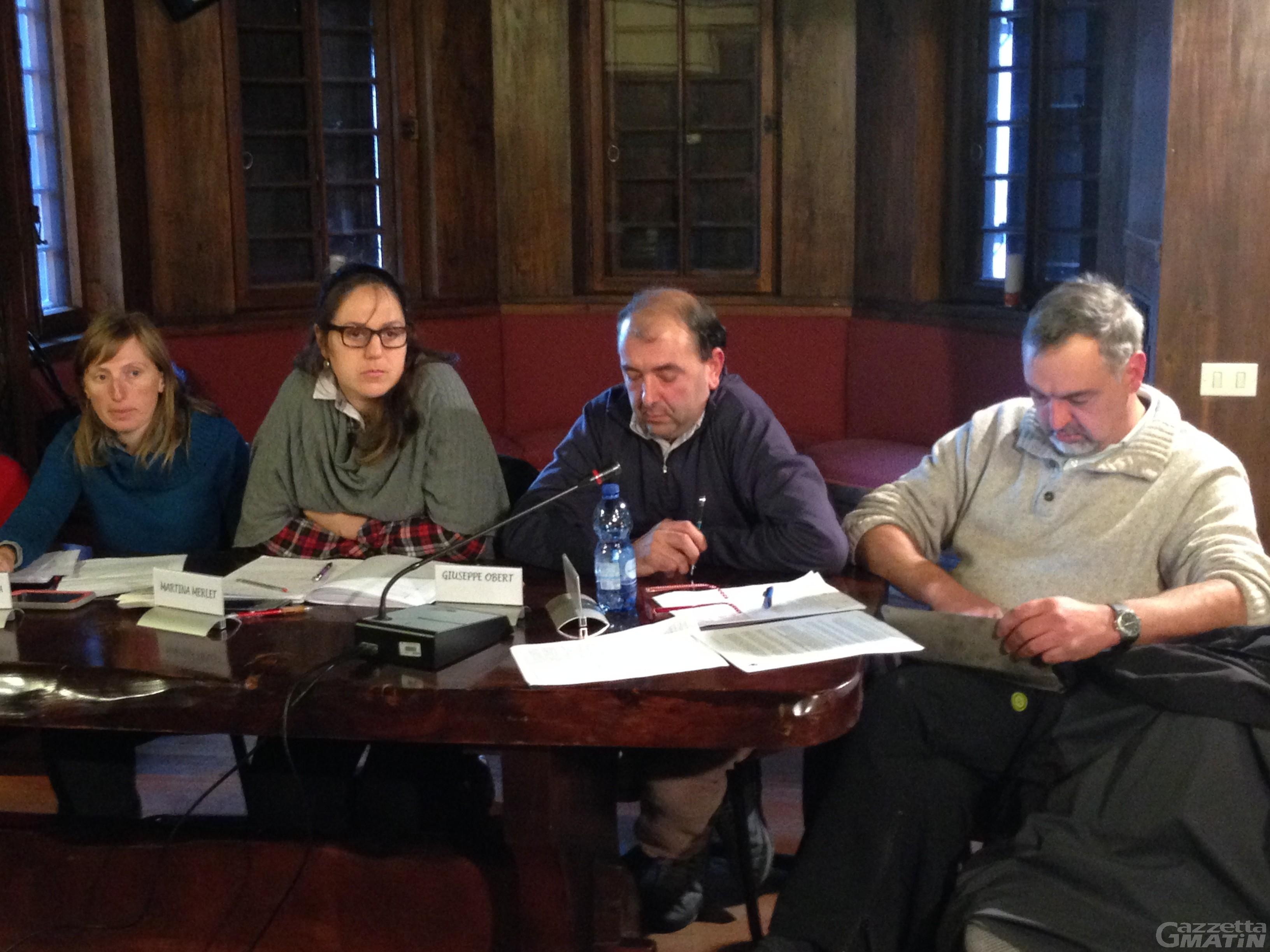 Ayas: la minoranza salva il sindaco dalle assenze