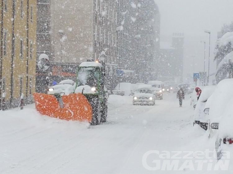 Emergenza neve, Aosta stanzia ultimi soldi a disposizione
