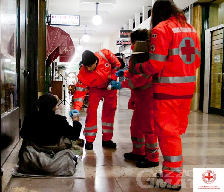 Povertà: la Croce Rossa in soccorso dei senzatetto