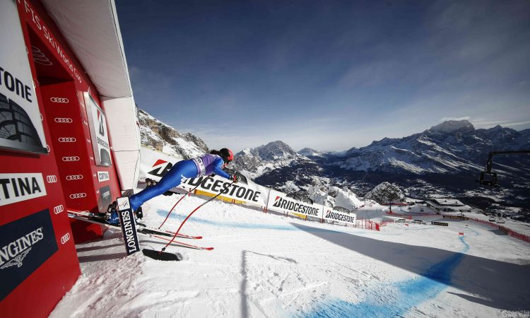 Sci alpino: Federica Brignone out nella libera di Cortina