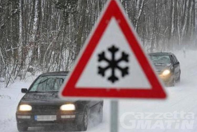 Avise: fango sulla S.S. 26, traffico deviato