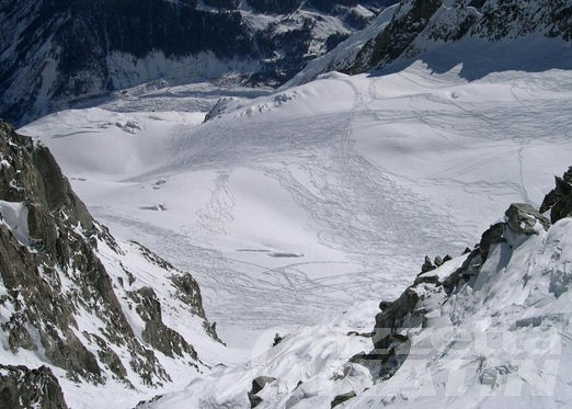 Freerider cade in un crepaccio sul Monte Bianco
