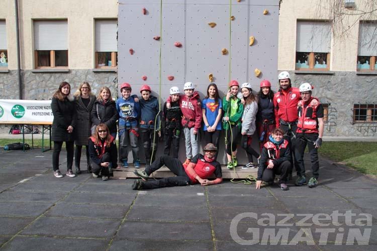 A lezione di sicurezza e protezione civile alla scuola Lexert di Aosta