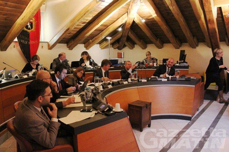 Aosta: bilancio approvato, pochi numeri e tanta politica