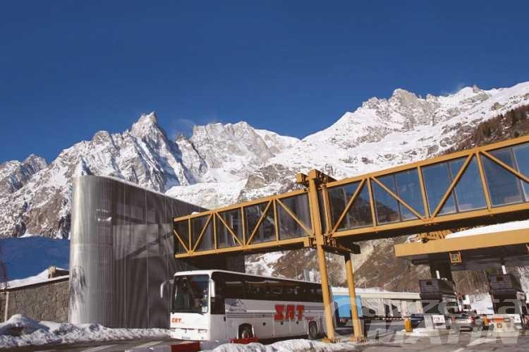 Immigrazione clandestina: arrestati due passeur al Monte Bianco