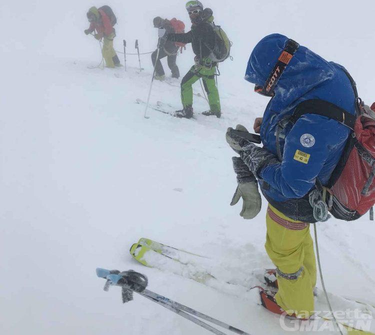 Scialpinisti bloccati sul Monte Rosa recuperati e in buona salute