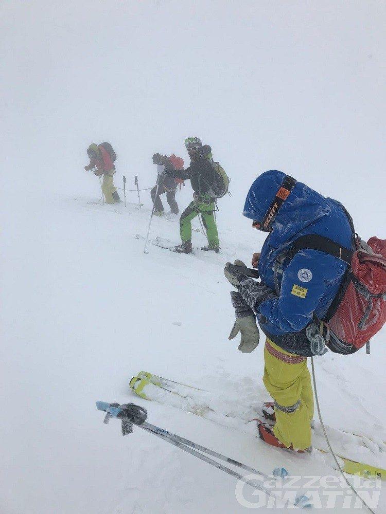Incidenti montagna: ritrovato morto lo scialpinista disperso