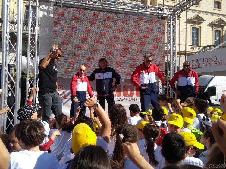 Aosta: 300 bambini in festa in piazza per Panatta, Lucchetta, Chechi e Graziani