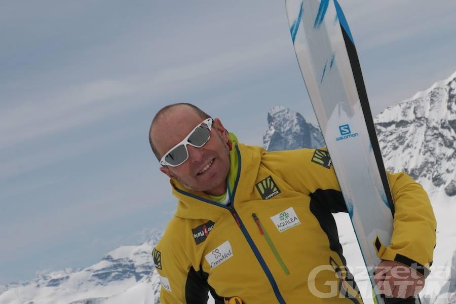 Montagna: Joyeusaz scende con gli sci dal Cervino