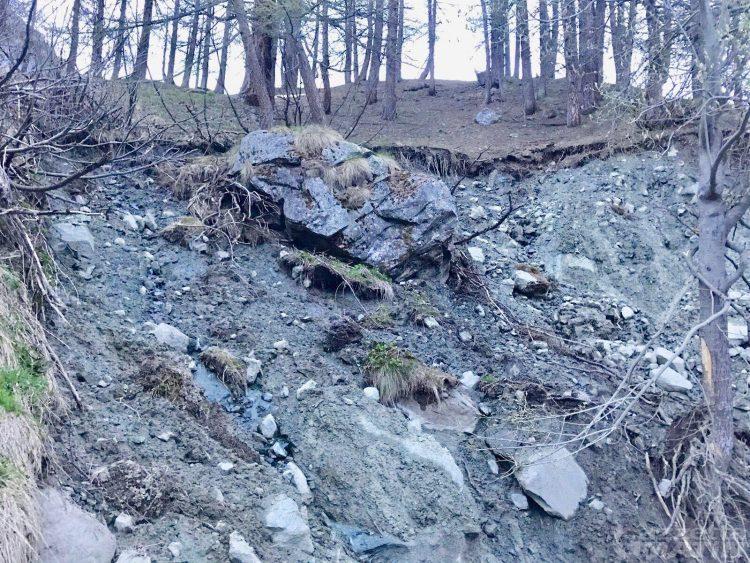 Masso pericolante: evacuata Tschaval a Gressoney-La-Trinité