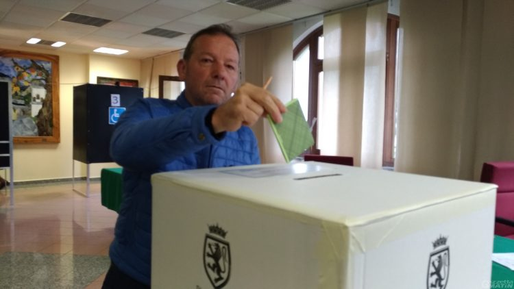 Regionali: crolla al 65% l'affluenza alle urne