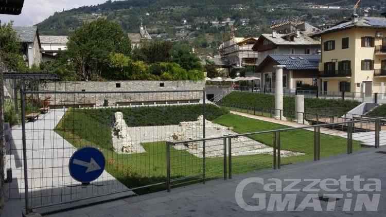 Aosta: piazza Caveri dopo un anno ancora non accessibile totalmente al pubblico