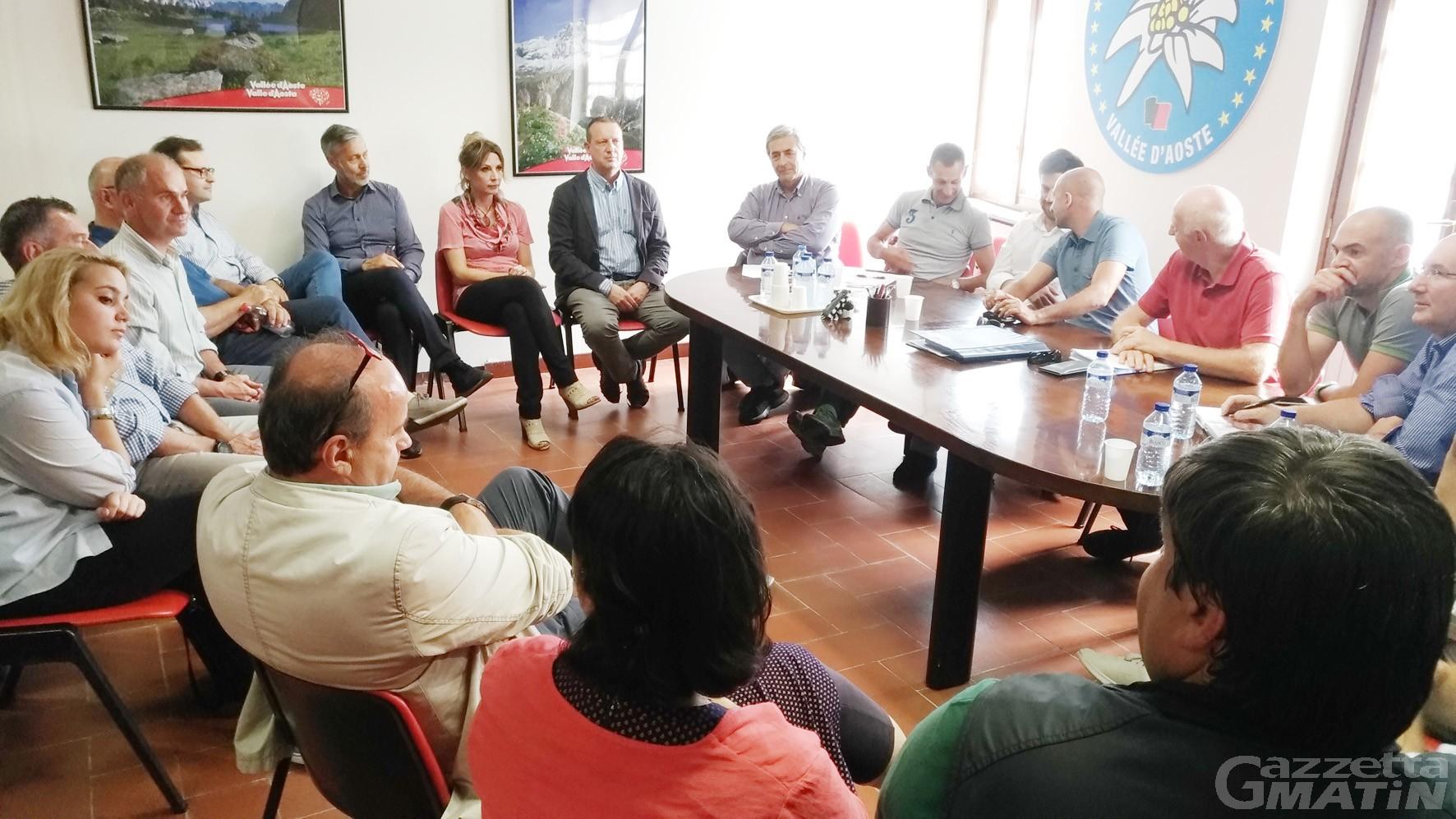 Governo Valle d'Aosta: accordo a 18 tra Lega, autonomisti e Emily Rini