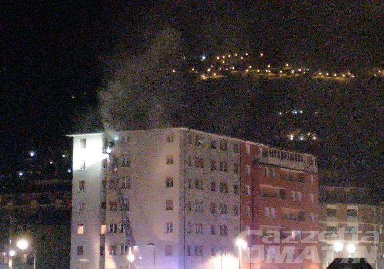 Aosta: esplosione e incendio in viale Partigiani