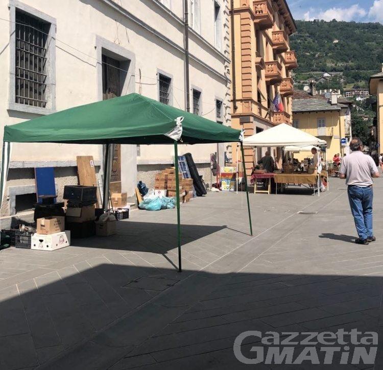 Aosta: querelle per l'esposizione di antiquariato 'saltata'