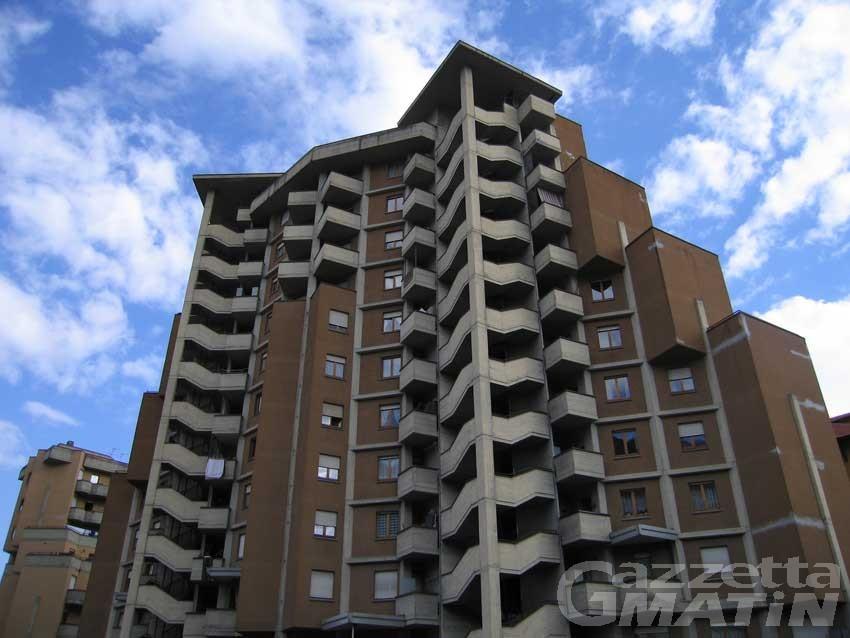 Grattacielo Aosta, l'assessore rassicura: «consegna alloggi nuovi prima dell'inverno»